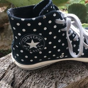 😎Converse Chuck Taylor high tops size 8